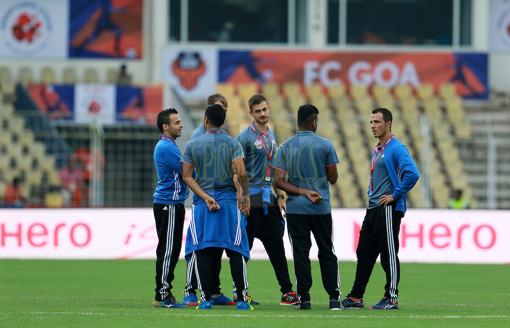 FC Pune City players before the start of the match 8 of the Indian Super League (ISL) season 3 between FC Goa and FC Pune City held at the Fatorda Stadium in Goa, India on the 8th October 2016.<br /> <br /> Photo by Vipin Pawar / ISL/ SPORTZPICS