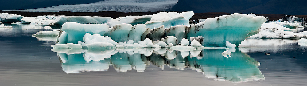 In Jokulsarlon Lagoon, it is possible to see icebergs of all shapes and sizes