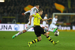 25.01.2014, Signal Iduna Park, Dortmund, GER, 1. FBL, Borussia Dortmund vs FC Augsburg, 18. Runde, im Bild Sven Bender (Bor Dortmund) klaert vor Arkadiusz, Arek Milik (FC Augsburg), Aktion, Zweikampf, Querformat, quer, landscape, horizontal // during the German Bundesliga 18th round match between Borussia Dortmund and FC Augsburg at the Signal Iduna Park in Dortmund, Germany on 2014/01/26. EXPA Pictures &copy; 2014, PhotoCredit: EXPA/ Eibner-Pressefoto/ Krieger<br /> <br /> *****ATTENTION - OUT of GER*****