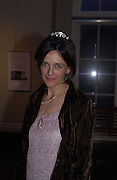 Emma Hope. Tiara exhibition opening. V.& A. London. 19 March 2002.  March© Copyright Photograph by Dafydd Jones 66 Stockwell Park Rd. London SW9 0DA Tel 020 7733 0108 www.dafjones.com