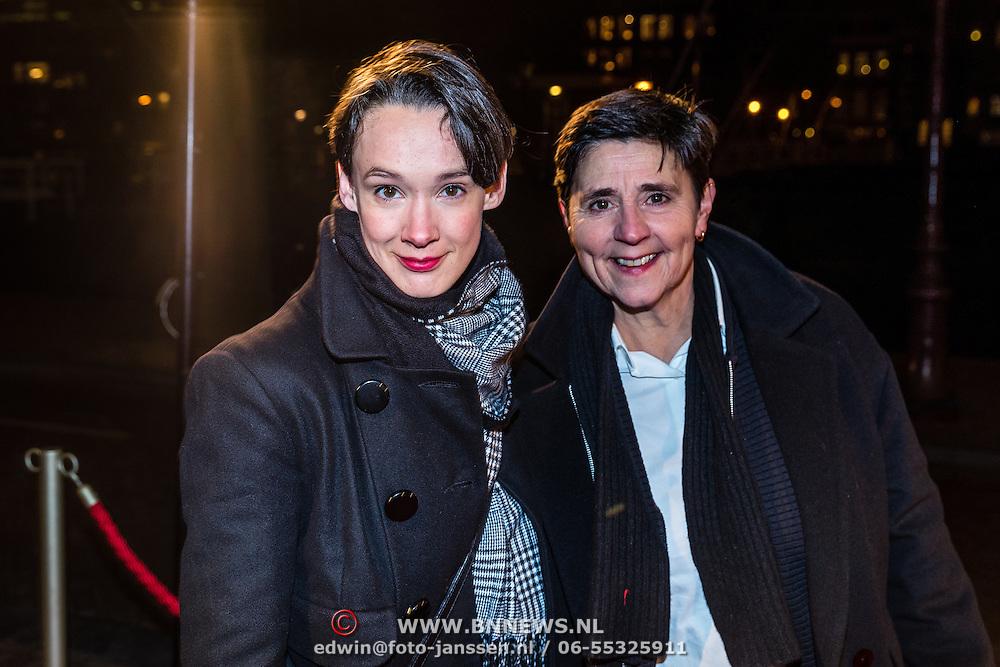 NLD/Amsterdam/20161222 - Première 32ste Wereldkerstcircus, Anne van Veen en partner Han