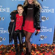 NLD/Amsterdam/20191116 - Filmpremiere Frozen II, Nikkie Plessen en dochter Jolie