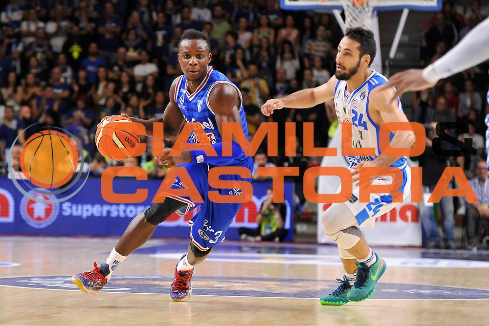 DESCRIZIONE : Beko Legabasket Serie A 2015- 2016 Dinamo Banco di Sardegna Sassari - Enel Brindisi<br /> GIOCATORE : David Reginald Cournooh<br /> CATEGORIA : Palleggio<br /> SQUADRA : Enel Brindisi<br /> EVENTO : Beko Legabasket Serie A 2015-2016<br /> GARA : Dinamo Banco di Sardegna Sassari - Enel Brindisi<br /> DATA : 18/10/2015<br /> SPORT : Pallacanestro <br /> AUTORE : Agenzia Ciamillo-Castoria/C.Atzori