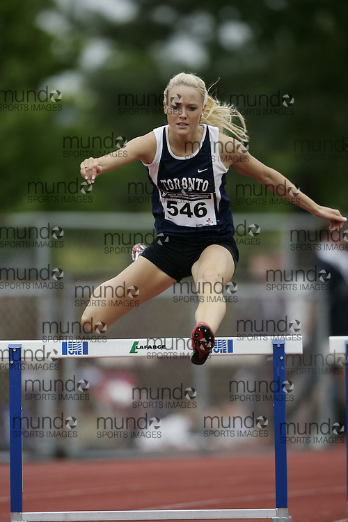 Abbotsford, BC-  20100729-- Sarah Wells competes at the 2008 Canadian Junior Track and Field Championships in Abbotsford, British Columbia, July 26, 2008. <br /> (Geoff Robins/ Mundo Sport Images)
