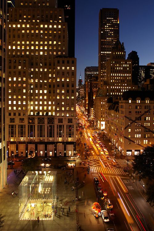 View of Fifth Avenue and the Apple Store from 781 Fifth Avenue, 9th floor, The Sherry Netherland