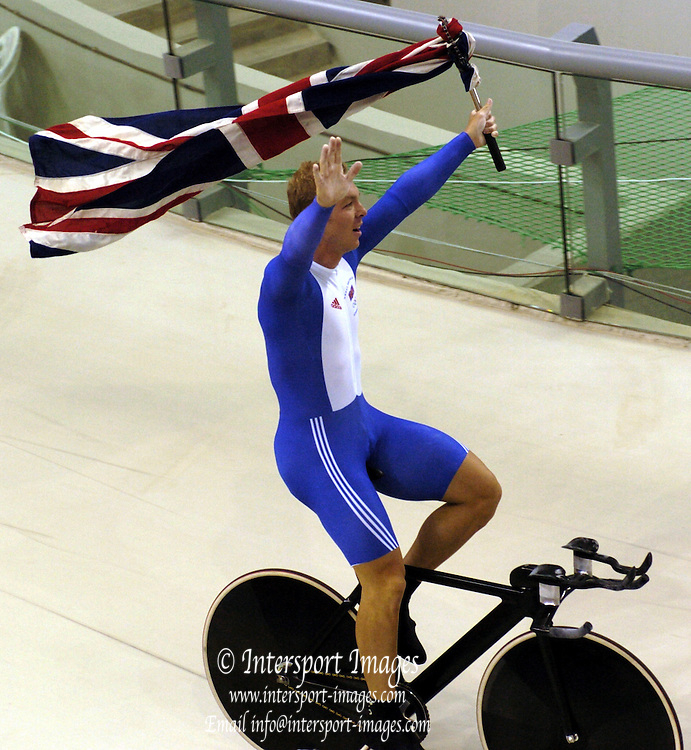 , Olympic Games, Athens, GREECE, Olympic Velodrome  [Cycling Track] Men's 1 K Time Trail GBR Gold medallist Chris Hoy Photo  Peter Spurrier  .email images@intersport-images.com...