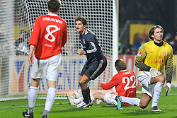 19.02.2011, Bruchwegstadion, Mainz, GER, 1. FBL, Mainz 05 vs FC Bayern Muenchen, im Bild Tor 0:3, vl. Radoslav ZABAVNIK (Mainz #8), Mario Gomez (Bayern #33) Torschuetze, Christian FUCHS (Mainz AUT #22), Heinz M¸ller (Mueller) (Mainz GER #33), EXPA Pictures © 2011, PhotoCredit: EXPA/ nph/  Roth       ****** out of GER / SWE / CRO  / BEL ******
