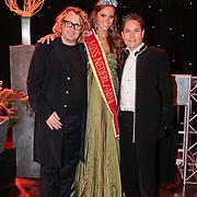 NLD/Nijkerk/20110710 - Miss Nederland verkiezing 2011, Miss Nederland Earth  Jill Duijves met Stefan and Robin