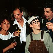 Laatste voorstelling Mini & Maxi Rotterdam, oa Wilfried de Jong en vrouw en John Buisman