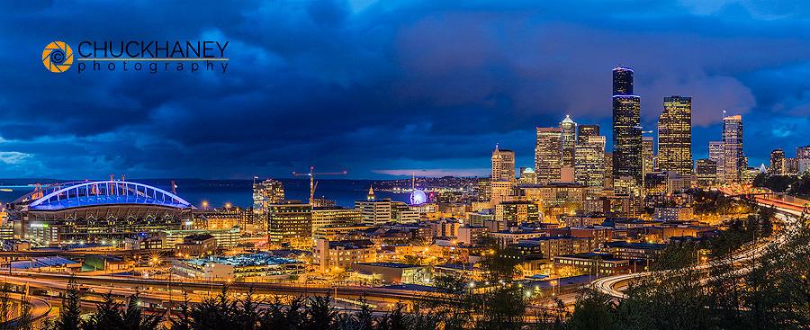 City skyline from Jose Rizal Park in downtown Seattle, Washington, USA