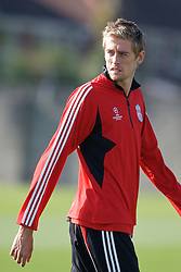 Liverpool, England - Tuesday, October 2, 2007: Liverpool's Peter Crouch training at Melwood ahead of the UEFA Champions League Group A match against Olympique de Marseille. (Photo by David Rawcliffe/Propaganda)