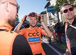 25.05.2017, Bormio, ITA, Giro d Italia 2017, 18. Etappe, Moena (Val di Fassa) nach<br />Ortisei/St. Ulrich (Val Gardena), im Bild Felix Grossschartner (AUT, Team CCC Sprandi Polkowice) // during the 100th Giro d' Italia cycling race at stage 18 from Moena (Val di Fassa) to Ortisei/St. Ulrich (Val Gardena), Italy on 2017/05/25. EXPA Pictures © 2017, PhotoCredit: EXPA/ R. Eisenbauer