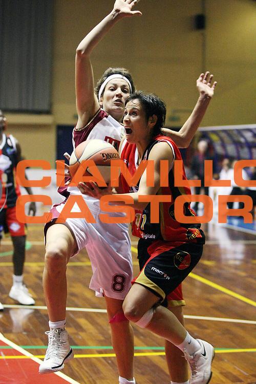 DESCRIZIONE : Cinisello Balsamo LBF Bracco Geas Sesto San Giovanni Umana Venezia<br /> GIOCATORE : Nura Martinez<br /> SQUADRA : Bracco Geas Sesto San Giovanni<br /> EVENTO : Campionato Lega Basket Femminile A1 2009-2010<br /> GARA : Bracco Geas Sesto San Giovanni Umana Venezia<br /> DATA : 17/10/2009 <br /> CATEGORIA : Penetrazione<br /> SPORT : Pallacanestro <br /> AUTORE : Agenzia Ciamillo-Castoria/G.Cottini<br /> Galleria : Lega Basket Femminile 2009-2010<br /> Fotonotizia : Cinisello Balsamo LBF Bracco Geas Sesto San Giovanni Umana Venezia<br /> Predefinita :