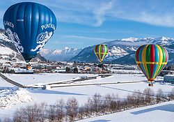 05.02.2018, Zell am See - Kaprun, AUT, BalloonAlps, im Bild Heissluftballone in der Luft // hot-air balloons in the air during the International Balloonalps Alps Crossing Event, Zell am See Kaprun, Austria on 2018/02/05. EXPA Pictures © 2018, PhotoCredit: EXPA/ JFK