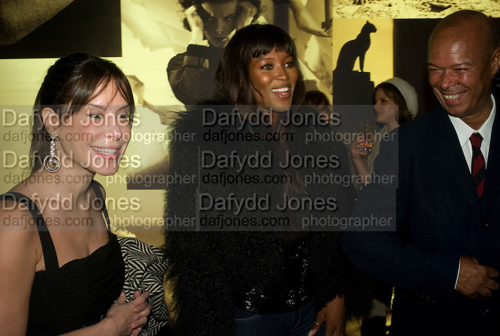 ANA PAULA JUNQUERA, NAOMI CAMPBELL AND MICHAEL ROBERTS, Vanity Fair Portraits: Photographs 1913-2008. Hosted by Burberry and Vanity Fair. National Portrait Gallery. London. 9 February 2008.  *** Local Caption *** -DO NOT ARCHIVE-© Copyright Photograph by Dafydd Jones. 248 Clapham Rd. London SW9 0PZ. Tel 0207 820 0771. www.dafjones.com.