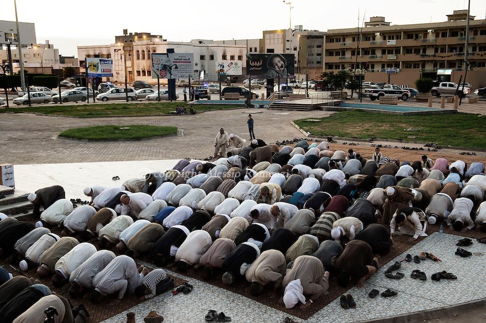 Libya, Misurata: Preyer in the center of Misurata. Alessio Romenzi