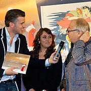NLD/Amsterdam/20101115 - Presentatie Douwe Egberts Sinterklaasboeken Openbare Bibliotheek Amsterdam, Winston Gerschtanowitz en de makers van het boekje Youp van 't Hek en Marije Tolman