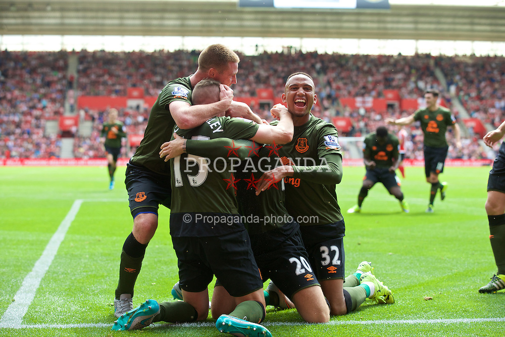 SOUTHAMPTON, ENGLAND - Saturday, August 15, 2015: Everton's Ross Barkley [hidden] celebrates scoring the third goal against Southampton with team-mates during the FA Premier League match at St Mary's Stadium. (Pic by David Rawcliffe/Propaganda)