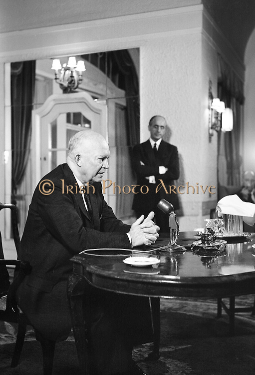 General Dwight D. Eisenhower, former President of the United States of America, gives a press conference at the Gresham Hotel. Mr. and Mrs. Eisenhower spent a few days in Ireland as part of a European tour..21.08.1962,<br />
