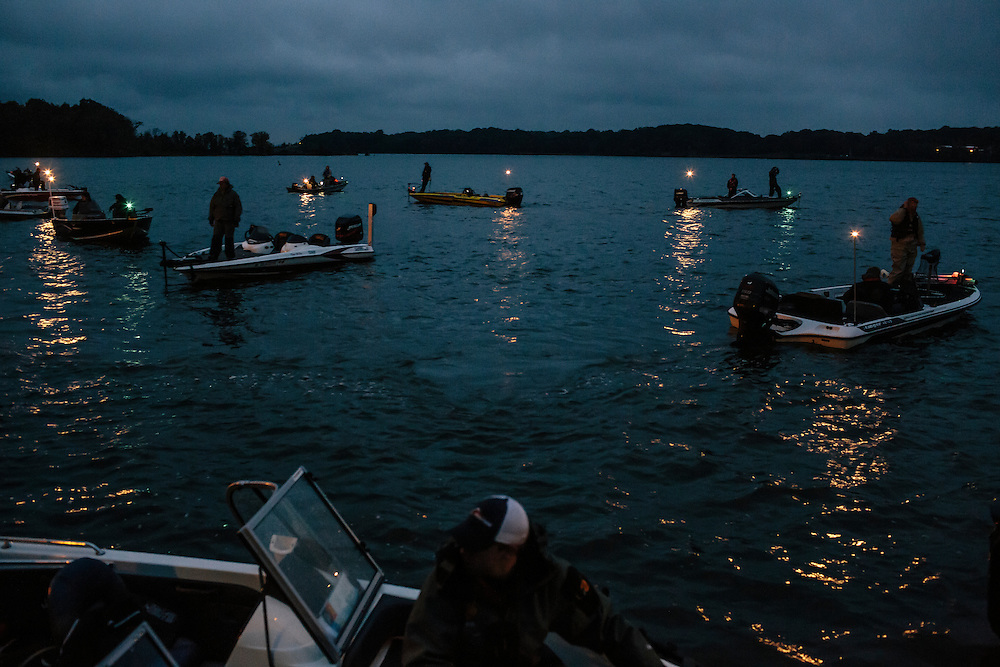 Teams prepare for the start of the competition during the FLW College Fishing Northern Conference Invitational in Marbury, MD on Oct. 11, 2014. Only the top 15 of 43 teams moved on to Sunday.