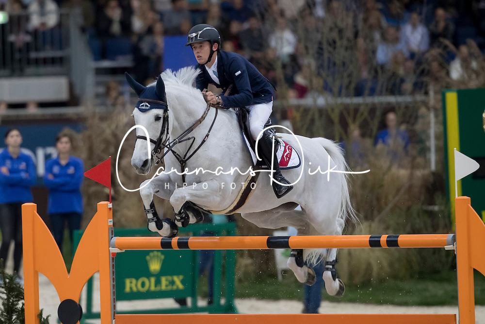 Allen Bertram, (IRL), Molly Malone V<br /> Credit Suisse Grand Prix<br /> CHI de Gen&egrave;ve 2016<br /> &copy; Hippo Foto - Dirk Caremans<br /> 08/12/2016