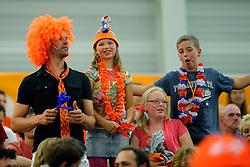 05-06-2011 VOLLEYBAL: EUROPEAN LEAGUE NETHERLANDS - GREECE: LEEK<br /> Dutch support, Oranje publiek<br /> ©2011-FotoHoogendoorn.nl