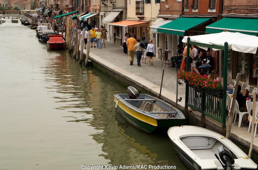 38_03_01_03813.Canal scene on the island of Murano near Venice, Italy.