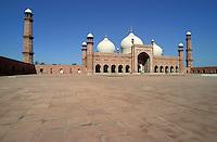 Pakistan, Punjab, Lahore, mosquee Badshahi // Badshahi mosque, Moghol period, Lahore, Punjab province, Pakistan