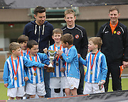 Manchester United with Dundee United players Michael Gardyne and Ryan Dow - Dundee United J-League Finals at Tannadice. .© David Young - www.davidyoungphoto.co.uk - email: davidyoungphoto@gmail.com