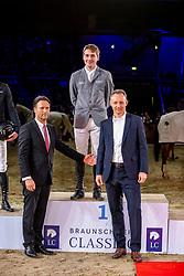 MCMAHON Eoin (IRL), MILKAU Axel (Veranstalterteam), REINHARD Dr. Michael (Sprecher Volkswagen Financial Services AG) <br /> Siegerehrung<br /> Grand Prix von Volkswagen<br /> Int. jumping competition over two rounds (1.55 m) - CSI3*<br /> Comp. counts for the LONGINES Rankings<br /> Braunschweig - Classico 2020<br /> 08. März 2020<br /> © www.sportfotos-lafrentz.de/Stefan Lafrentz