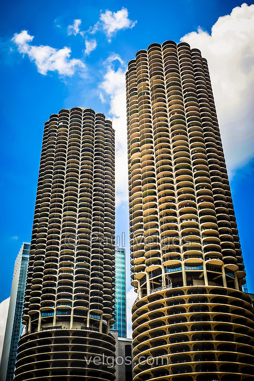 Picture of Chicago Marina City Towers. Marina City consists of two round corncob shaped mixed-use buildings located along the Chicago River in downtown Chicago.