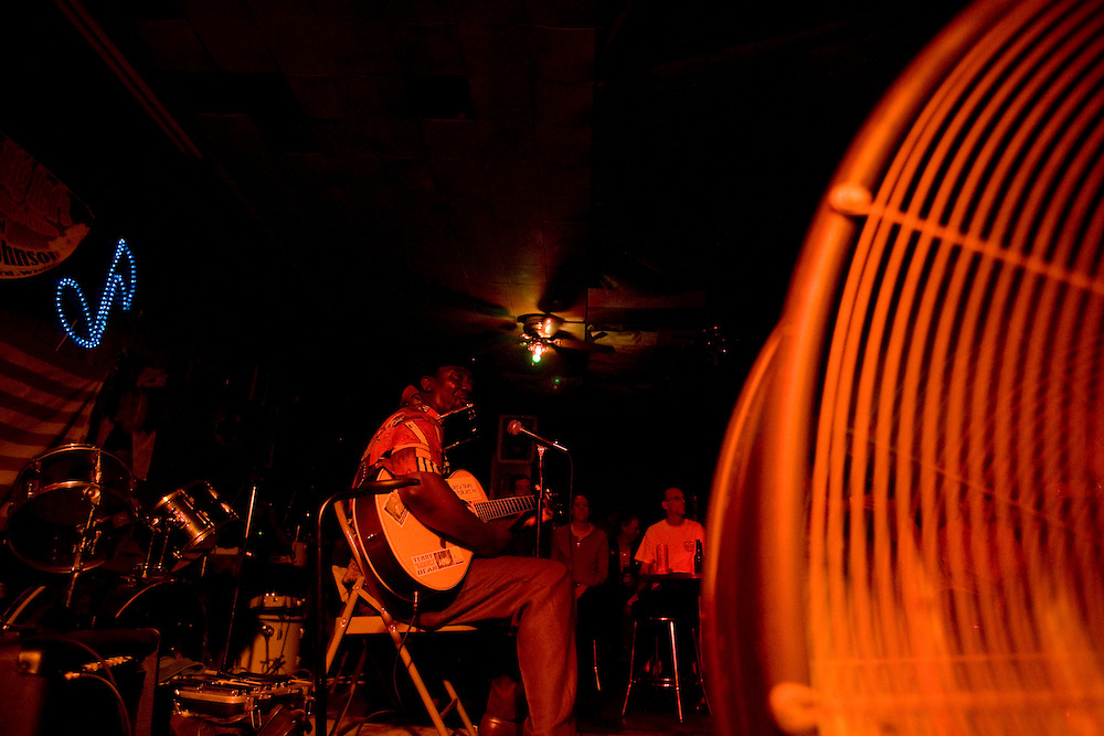 """Terry """"Hamonica"""" Bean plays a set at Red's Lounge in Clarksdale, Miss., 2007."""