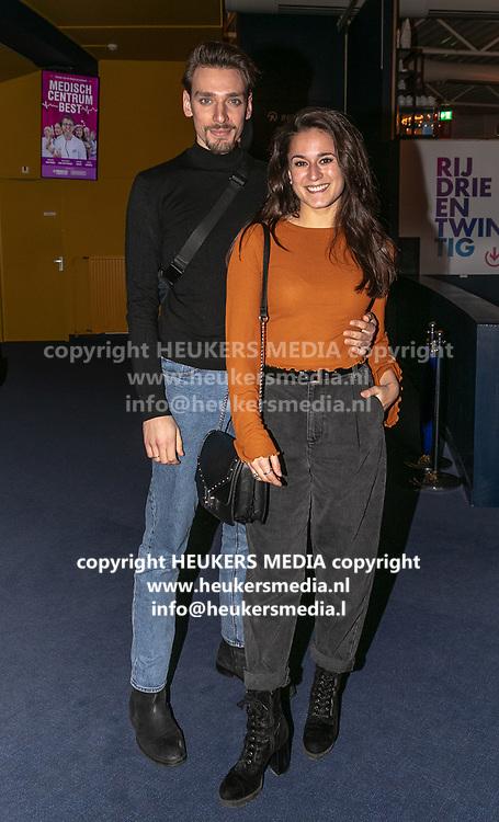 2019, Februari 18. Rijswijkse Schouwburg, Rijswijk. Premiere van Medisch Centrum Best. Op de foto: Esmee Dekker en Bela Becht
