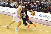 DESCRIZIONE : Milano Lega A 2011-12 EA7 Emporio Armani Milano Bancatercas Teramo <br /> GIOCATORE : dee brown<br /> CATEGORIA :  palleggio fallo<br /> SQUADRA : EA7 Emporio Armani Milano Bancatercas Teramo <br /> EVENTO : Campionato Lega A 2011-2012<br /> GARA : EA7 Emporio Armani Milano Bancatercas Teramo<br /> DATA : 29/04/2012<br /> SPORT : Pallacanestro<br /> AUTORE : Agenzia Ciamillo-Castoria/M.Gregolin<br /> Galleria : Lega Basket A 2011-2012<br /> Fotonotizia :  Milano Lega A 2011-12 EA7 Emporio Armani Milano Bancatercas Teramo <br /> Predefinita :