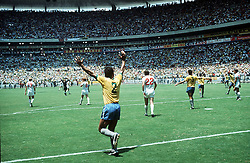 BRAZIL CELEBRATE WIN OVER ENGLAND AZTEC STADIUM.CELEBRATION.BRAZIL V ENGLAND WORLD CUP  1970.SOCCER WORLD CUP.1970