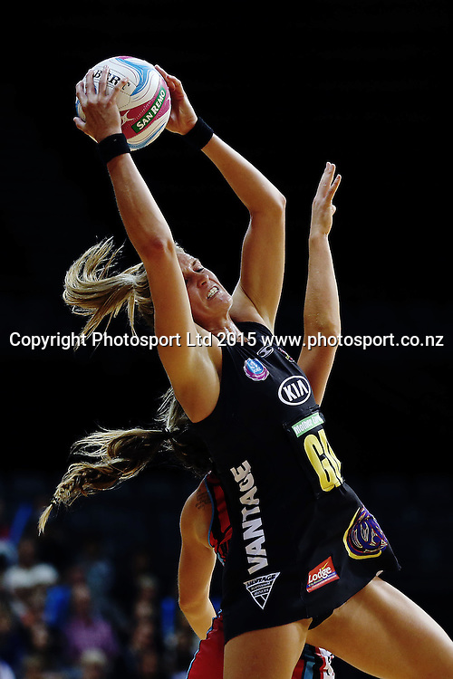 Leana de Bruin of the Magic in action. 2015 ANZ Championship, Waikato Bay of Plenty Magic v Canterbury Tactix, Claudelands Arena, Hamilton, New Zealand. Photo: Anthony Au-Yeung / www.photosport.co.nz