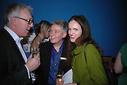 ALAN HAYDEN, NIKKI BELL AND BETTINA VON HASE, Art Plus Music party. Fundraiser for the Whitechapel. 30 March 2006. ONE TIME USE ONLY - DO NOT ARCHIVE  © Copyright Photograph by Dafydd Jones 66 Stockwell Park Rd. London SW9 0DA Tel 020 7733 0108 www.dafjones.com