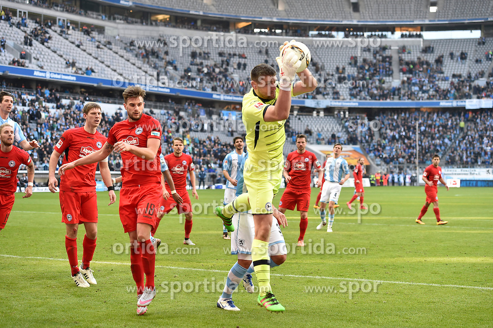 20.03.2016, Allianz Arena, Muenchen, GER, 2. FBL, TSV 1860 Muenchen vs DSC Arminia Bielefeld, 27. Runde, im Bild Christopher Noethe (Arminia Bielefeld), Wolfgang Hesl, Torwart (Arminia Bielefeld), v.li. Aktion // during the 2nd German Bundesliga 27th round match between TSV 1860 Muenchen vs DSC Arminia Bielefeld at the Allianz Arena in Muenchen, Germany on 2016/03/20. EXPA Pictures &copy; 2016, PhotoCredit: EXPA/ Eibner-Pressefoto/ Buthmann<br /> <br /> *****ATTENTION - OUT of GER*****