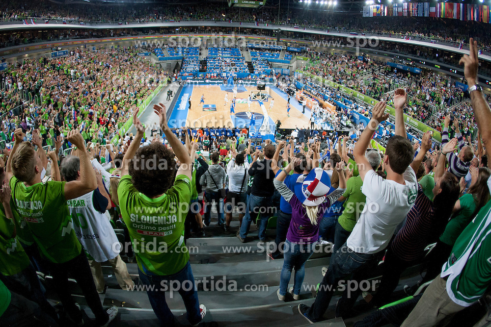during basketball match between National teams of Slovenia and Italy in 2nd Round at Day 9 of Eurobasket 2013 on September 12, 2013 in SRC Stozice, Ljubljana, Slovenia. (Photo By Urban Urbanc / Sportida)