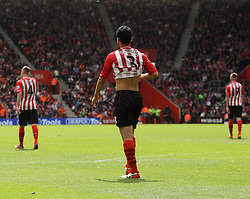 Southampton's Maya Yoshida and the rest of the Southampton players get into position after Tottenham Hotspur's Nacer Chadli's goal - Photo mandatory by-line: Robbie Stephenson/JMP - Mobile: 07966 386802 - 25/04/2015 - SPORT - Football - Southampton - ST Marys Stadium - Southampton v Tottenham Hotspur - Barclays Premier League