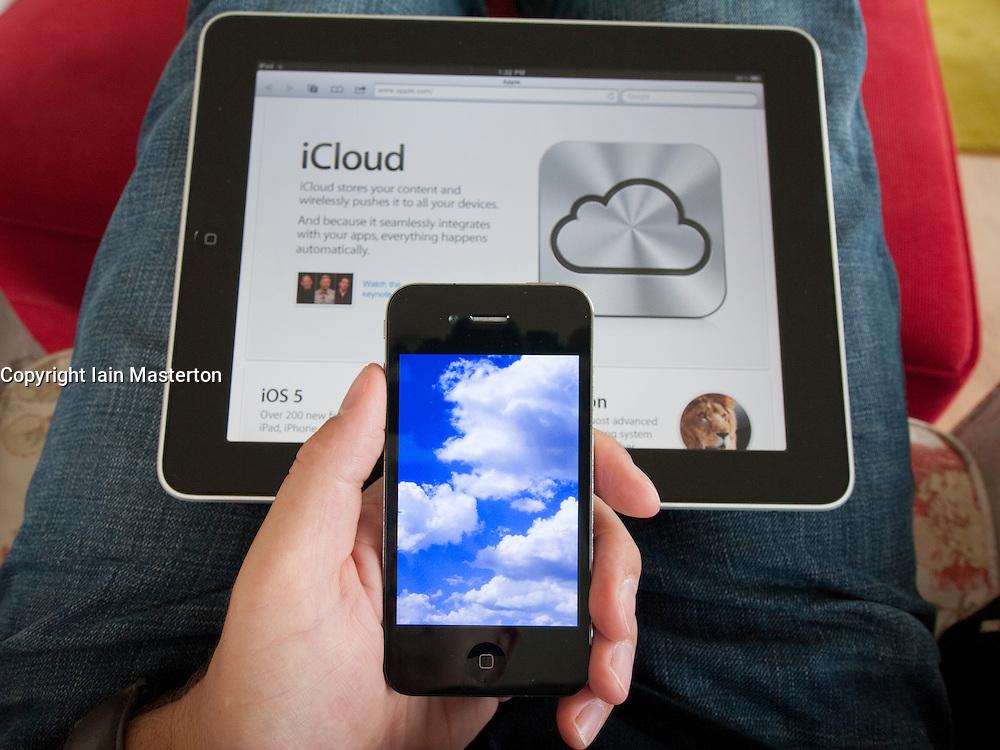 iCloud cloud computing simulation on an iPhone 4G smart phone