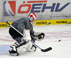 04.04.2012, Stadthalle, Villach, AUT, OeHV, Training Nationalteam Oesterreich, im Bild Bernhard Starkbaum (AUT) // during a Trainingssession of austrians National eishockey team at Stadthalle, Villach, Austria on 2012/04/04. EXPA Pictures © 2012, PhotoCredit: EXPA/ Oskar Hoeher
