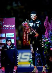 23-02-2008 SCHAATSEN: FINALE ISU WORLD CUP: HEERENVEEN<br /> Jenny Wolf en op de achtergrond Annette Gerritsen<br /> ©2008-WWW.FOTOHOOGENDOORN.NL