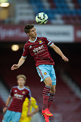 UPTON PARK, ENGLAND - Friday, September 12, 2014: West Ham United's Dan Potts in action against Liverpool during the Under 21 FA Premier League match at Upton Park. (Pic by David Rawcliffe/Propaganda)