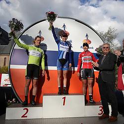 17-04-2016: Wielrennen: Ronde van Gelderland: Apeldoorn    <br />APELDOORN (NED) wielrennen<br />Kasia Niewiadoma heeft de Ronde van Gelderland gewonnen. De Poolse toonde zich in de straten van Apeldoorn de snelste van een kopgroep van drie. Natalie van Gogj werd tweede, Lieselot Delcroix derde.