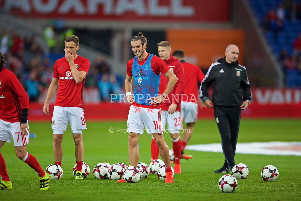 CARDIFF, WALES - Monday, September 5, 2016: Wales' Gareth Bale during the pre-match warm-up before the 2018 FIFA World Cup Qualifying Group D match against Moldova at the Cardiff City Stadium. (Pic by David Rawcliffe/Propaganda)