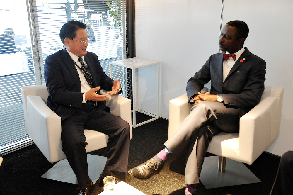 20150604- Brussels - Belgium - 04 June2015 - European Development Days - EDD  - Li Yong and  Axel Addy Minister Liberia © EU/UE