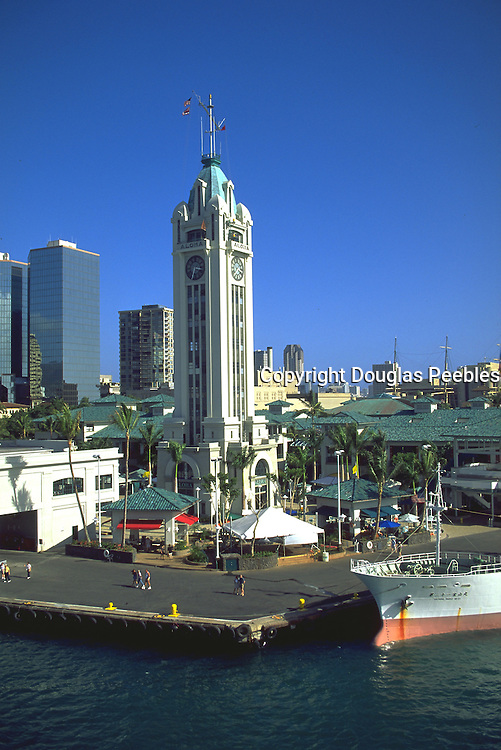 Aloha Tower, Honolulu Harbor, Honolulu, Oahu, Hawaii, USA<br />