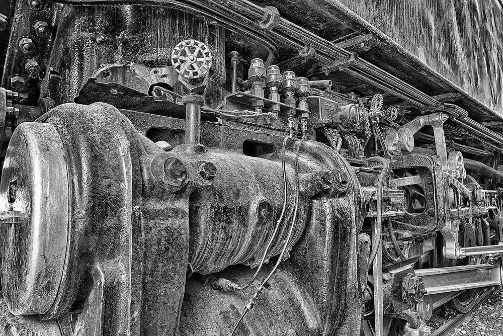 Detail of the Northern 833 steam engine and mechanics.