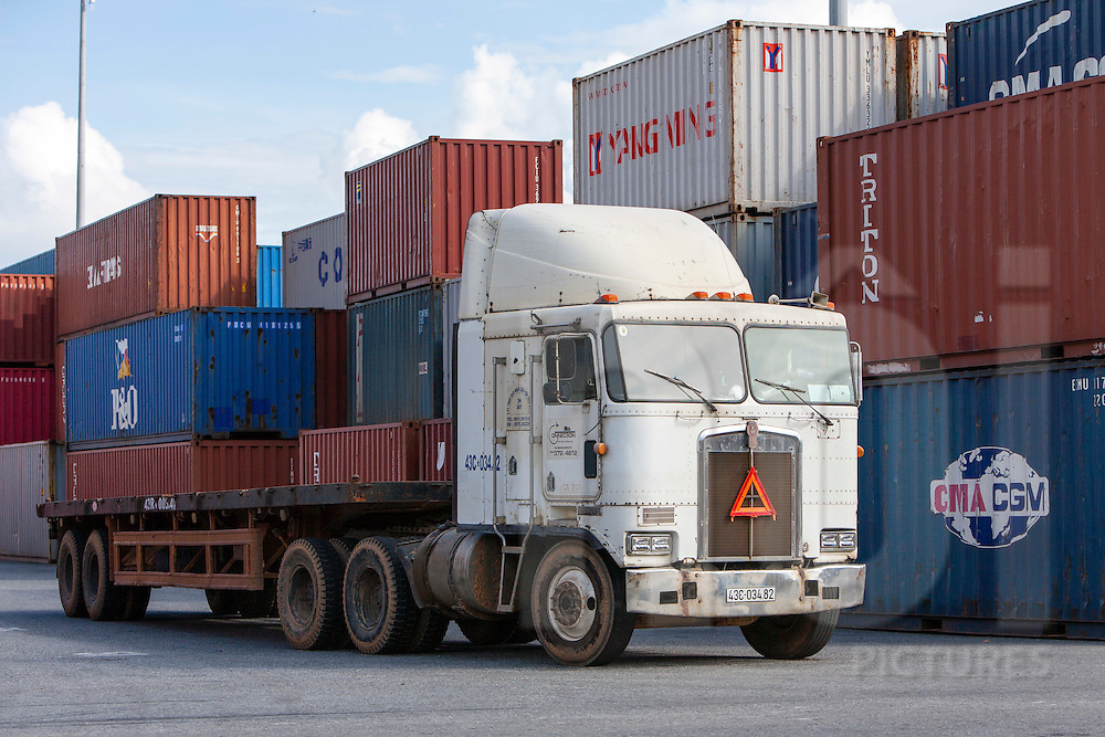 Truck with containers in Danang Harbour.